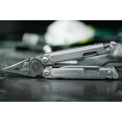 Pinza multiuso leatherman Free P2